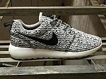 נעלי ספורט גברים נייק - Yeezy Boost 350 x Nike Roshe One - כולל משלוח עד דלת ביתך ח-י-נ-ם