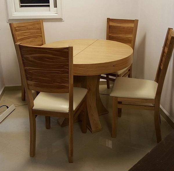שולחן לפינת אוכל עגולה + 4 כסאות דגם אלון  מעץ אלון מבוקע - 1