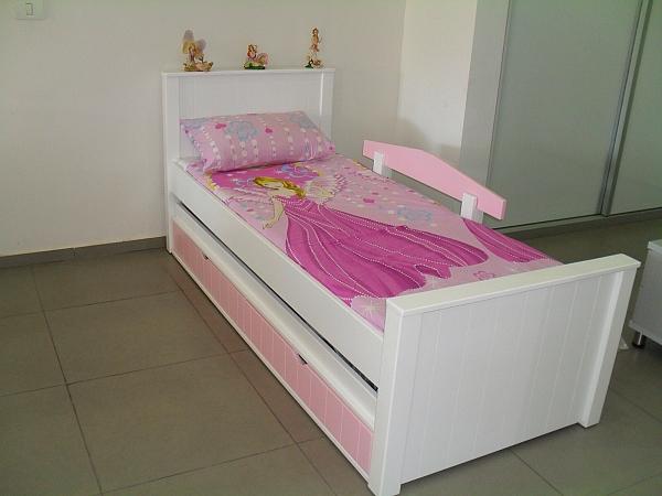 מיטת ילדים מעץ מלא דגם נועה - 1