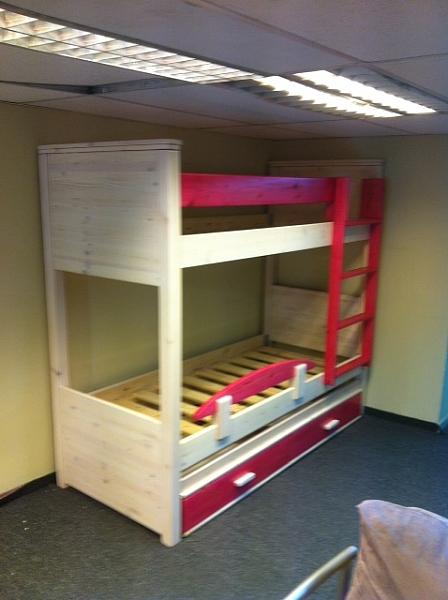 מיטה קומותיים מעץ מלא דגם איתי - 1