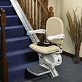 מעלון כסא לניוד קל במדרגות