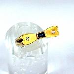 """טבעת """"פרפר"""" זהב צהוב 14K משובצת עם 2 יהלומים וספיר"""