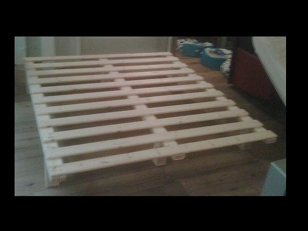 בסיס עץ למיטה קינג ללא מסגרת - 4
