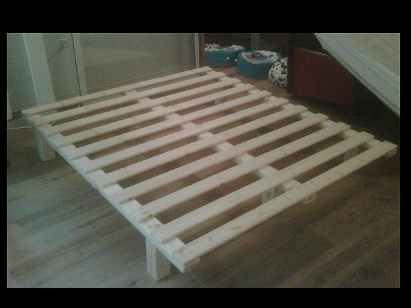 בסיס עץ למיטה קינג ללא מסגרת - 5