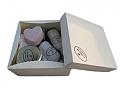 מארז נר עיסוי, שמן אמבט, סבון טבעי, פצצת אמבט לב, מלח אמבט ומגבת דקורטיבית
