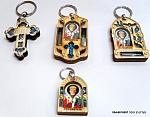 מחזיקי מפתחות עם אבנים נצרות