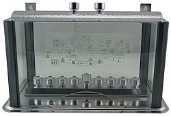 """קישוטית אלומיניום אפור מנוקד עם קנים לחנוכיה ולנרות שבת 36x22 ס""""מ"""