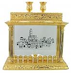 """חנוכיה קישוטית בצבע זהב דגם """"דלוקס"""" בגודל  26X40 ס""""מ"""
