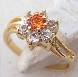 טבעת יוקרתית לאישה 18 קראת קריסטל אדום לבן