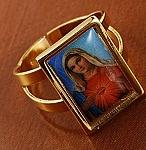 טבעת יוקרתית לאישה עם דמותה של מריה הקדושה