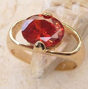 טבעת יוקרתית לאישה 18 קראת משובצת אבן גארנט אדומה - 1