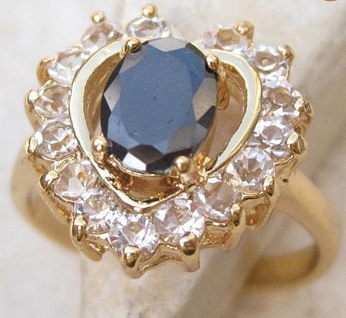 טבעת יוקרתית לאישה 18 קראת משובצת אבן םפיר שחורה - 1