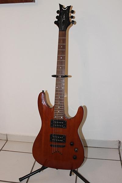 גיטרה חשמלית - 1