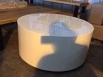 שולחן סלון לבן עגול מתצוגה