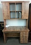 שולחן כתיבה וספריה מומנט