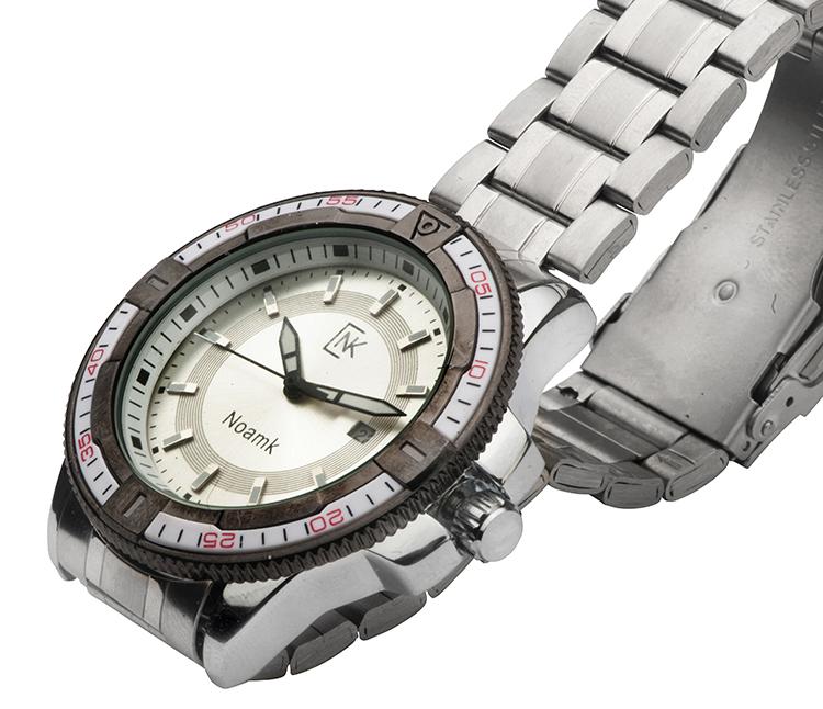 שעון לבן לגבר